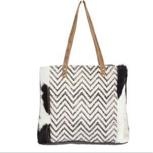 💥NEW💥 Chevron And Hair On Hide Tote Bag